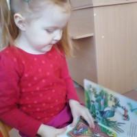 Детская модельная библиотека представляет фотообзор «Счастливое детство с книгой»