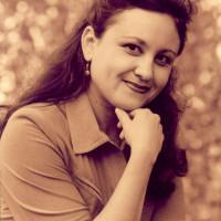 Кашанова Альбина Рафисовна. Заслуженная артистка РБ, актриса Уфимского Молодежного театра им. М Каримова.