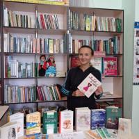 """Тошкуровская сельская библиотека организовала выставку """"Хочешь быть интересным? Читай интересные книги! """""""