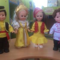 Детская модельная библиотека отмечает День национального костюма