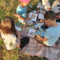"""Тучубаевская сельская библиотека с детьми провела увлекательное путешествие по сказкам, проведя с ними громкое чтение """"В сказках дух народа""""."""