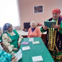 В Нижнекарышевской сельской библиотеке был проведён час поэзии «Золотая россыпь стихов», посвящённой ко дню поэзии.
