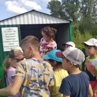 """Тучубаевская сельская библиотека совместно с завклубом провели экскурсию """"Живой родник!""""."""