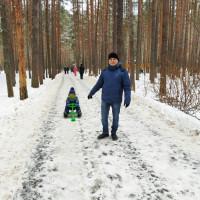 Староянбаевская модельная библиотека организовала фотовыставку «Вместе с папой», посвященную Дню отца