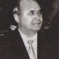 Васит Сагитович Ризванов родился 4 декабря 1950 года в деревне Бигильдино. После окончания Уразаевской средней школы в 1965 году трудовую деятельность начал в колхозе «Чулпан».