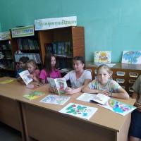 Нижнесикиязовская сельская библиотека провела литературный час «Лето в загадках и стихах».