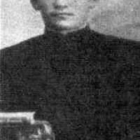Зия Ибрагимович Уммати родился в деревне Чурапаново Норкинской волости Бирского уезда (ныне Балтачевский район Республики Башкортостан) в семье муллы. Получив начальное образование в родной деревне, он с 1898 года продолжает обучение в медресе «Госмания» в Уфе.