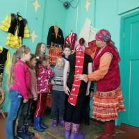 Нижнесикиязовская сельская библиотека совместно с СДК провела урок краеведения «Мой край родной- Башкортостан», посвященный к Году башкирской истории.